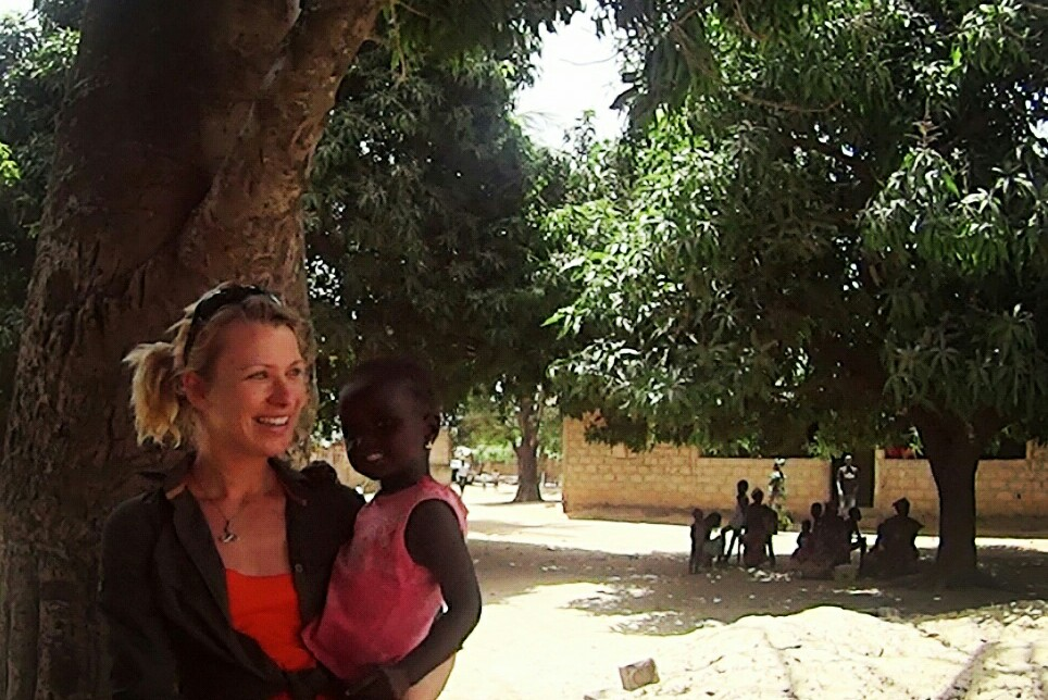 """The actress Aïda Ballmann travels to Gambia and Senegal to shoot """"Sand Path"""""""